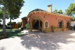 A country house for sale in the Crevillente area